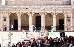 Don Matteo e la Banca delle Ore in Piazza Duomo a Spoleto