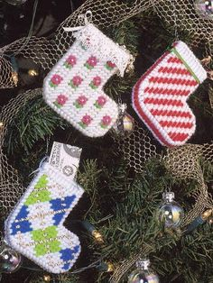 stocking ornaments - plastic canvas