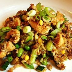 Brown Fried Rice with Chicken and Vegetables | thelemonbowl.com | #healthy #friedrice #chicken #chinese #asian #rice #dinner