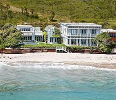 Larry Ellison's home, in Malibu, bought for $36.944M  STAY AT HOME MOM'S LOVE THIS MONEY MAKER!  http://bigideamastermind.com/newmarketingidea?id=moemoney24