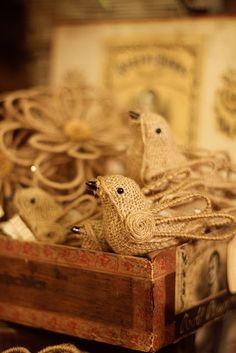 oiseaux de toile de jute