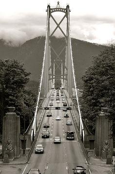 Lions Gate Bridge, Vancouver, BC, Canada. Photo: alternakive. #GILoveBC