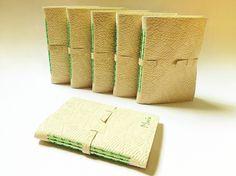 cadernos com capas em couro, encadernação artesanal em ponto haste. Luisa Gomes Cardoso para o Canteiro de Alfaces.