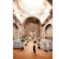 Wedding in a church ruin @ Antigua Guatemala