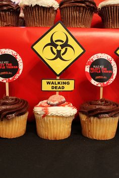birthday parti, party treats, zombi parti, zombi birthday, zombie apocalypse, digital prints, cupcake toppers, zombie birthday, birthday ideas