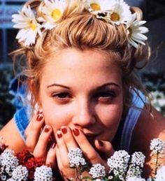 Drew Barrymore daisy crown