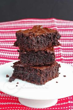 Insanely Good Chocolate Brownies © Jeanette's Healthy Living