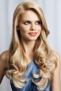 Ondas suaves, encuentra más peinados para verte más delgada aquí...http://www.1001consejos.com/peinados-para-verse-mas-delgada/