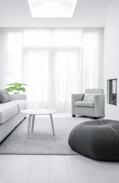 Via NordicDays.nl | Nu interieur ontwerp | White | Grey | HAY