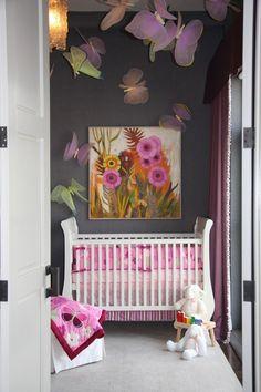 great small space girls nursery