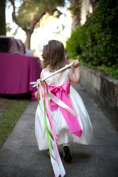I love personal touches such as this flower girl wand in the wedding colors - by Leesa at Loluma
