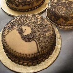I love the look of henna...too cool on a cake!