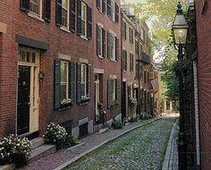 Boston: Beacon Hill's narrow streets.