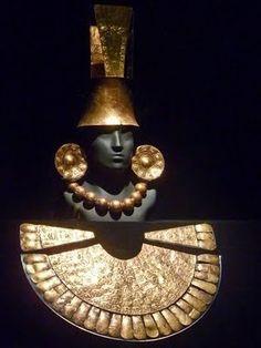 Orejeras,collar,tocado de oro  Museo del Oro  Peru