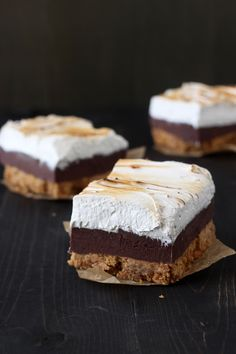 S'mores Fudge Bars from HandletheHeat.com