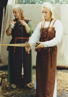 WIFMANN: woman (one who weaves.)  #Anglo-Saxon #WordOfTheDay