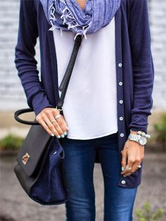 Navy blue boyfriend sweater and pale blue scarf with skinny jeans - combination for fall