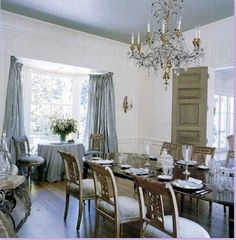 paint ceiling?  The blue dining room is the most Gustavian feeling room in the house, though there isn't any Swedish furniture here.