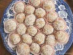 Бомбици со кокос / Coconut balls