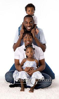 Family photo ideas on pinterest family photos fall for Family of four photo ideas