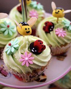 cupcake baby shower theme
