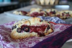 raspberri, food, bread, breakfast, blueberri scone, scones, cream scone, blueberri cream, blueberries