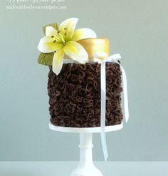 Single Tiered Chocolate Ruffles Cake