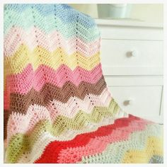 Ravelry: HardDaysKnit's Giant Ripple Blanket - beautiful ripple made from free pattern on Royal Sisters Blog