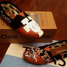 hand painted longhorn toms!! love them just not the price :)