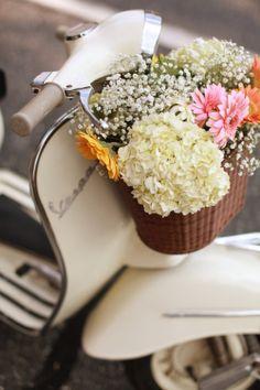 . summer styles, spring flowers, vespa, flower baskets, ana rosa, vintage bicycles, fresh flowers, flower market, scooter