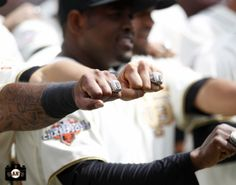 #SFGiants show off their BLING