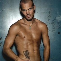 Freddie Ljungberg professional soccer player...yet another reason to love soccer<3