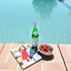Poolside snacking.