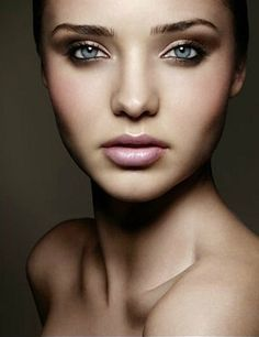 Forum on this topic: Brow Kits: 10 Kits to Help Maintain , brow-kits-10-kits-to-help-maintain/