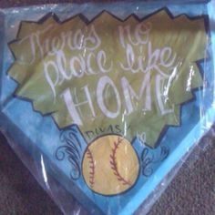 A great cake for the baseball end of the season party or switch it up, ( the decoration on the top of the cake), & it could be used for a welcome home, new home, etc.... party cake!!!