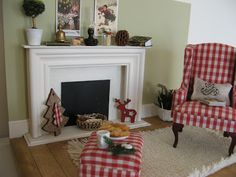 Fireplace is half a picture frame!! great idea