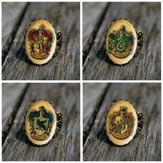 Harry Potter Hogwarts houses vintage style ring