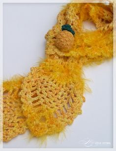 Pineapple Scarf Close up
