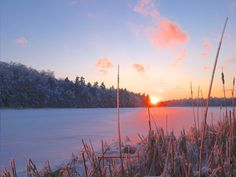 The January 2014 1000 Islands Photo Art wallpaper image awaits...
