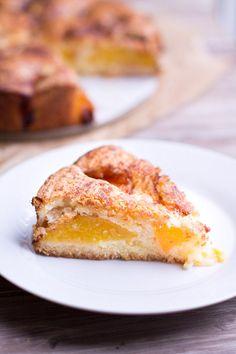 Best Ever Fresh Peach Buckle. #summer #peaches #desserts