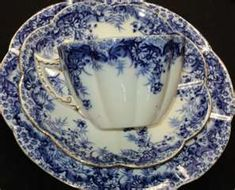 I LOVE Blue and White Dishes!