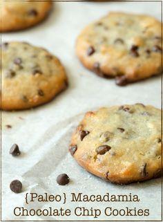 Paleo Macadamia Chocolate Chip Cookies - Rubies & Radishes #paleo #chocolate