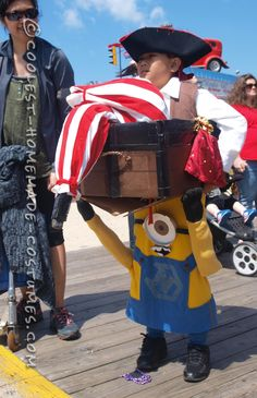 Optical Illusion Costume: A Minion Carrying a Pirate in a Treasure Chest...