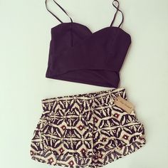 summer styles, woman fashion, teen fashion, chic outfits, print short