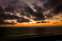Sailing in the Horizon by tsangj, via Flickr