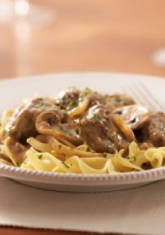 KRAFT RECIPE MAKERS Beef Stroganoff – It takes 8-plus hours in the slow cooker, but the prep time for this beef stroganoff is just 10 minutes. Served with hot noodles, it's nostalgia on a plate.