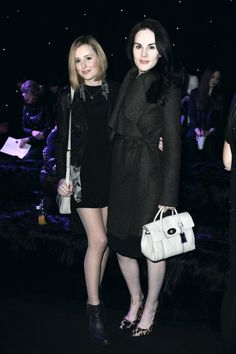 Lady Mary's coat/shoes. I die.