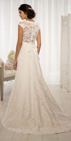 Beautiful lace wedding dress back