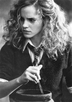 harri potter, hermion granger, emma watson, hogwart, book, scene, harry potter, hermione granger, curly hair
