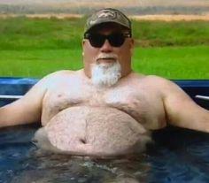 Duck Dynastys Godwin in his hot tub